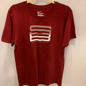 Nike Short Sleeve Crew Neck T-Shirt -Size S (NWOT)